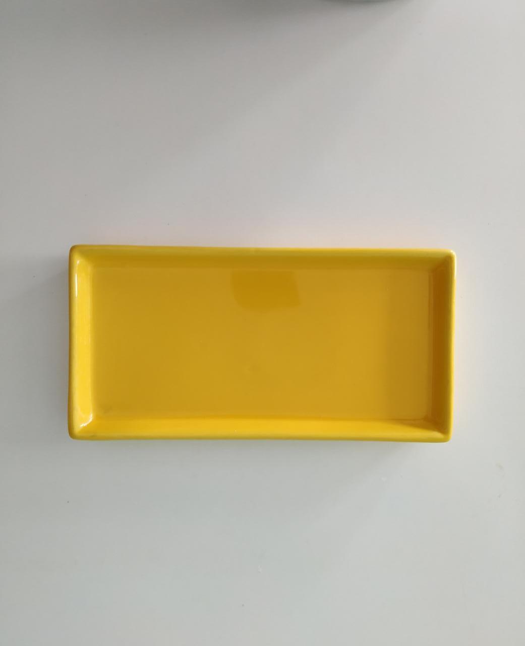 Prato Retangular amarelo