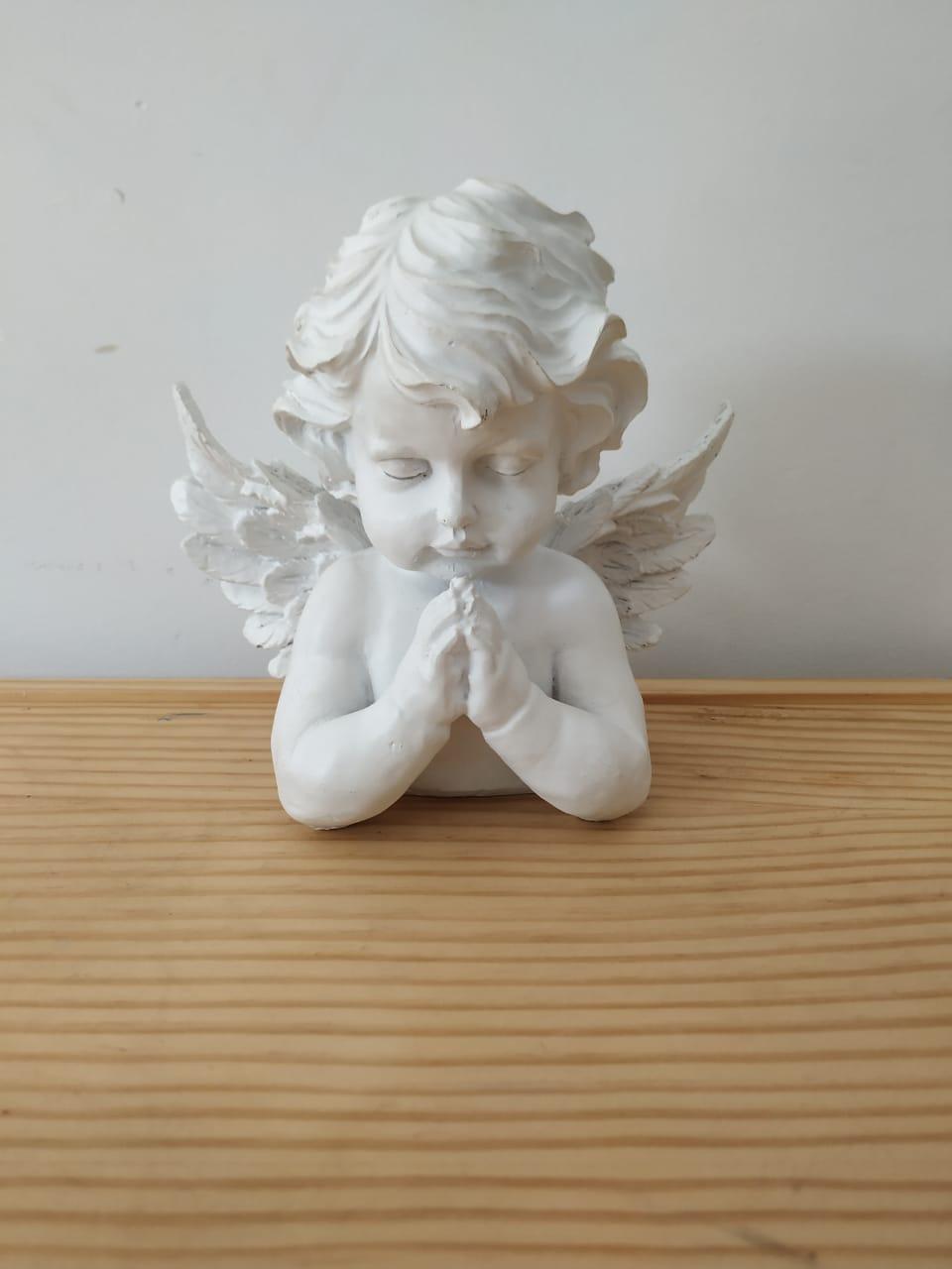 Anjo rezando de gesso M