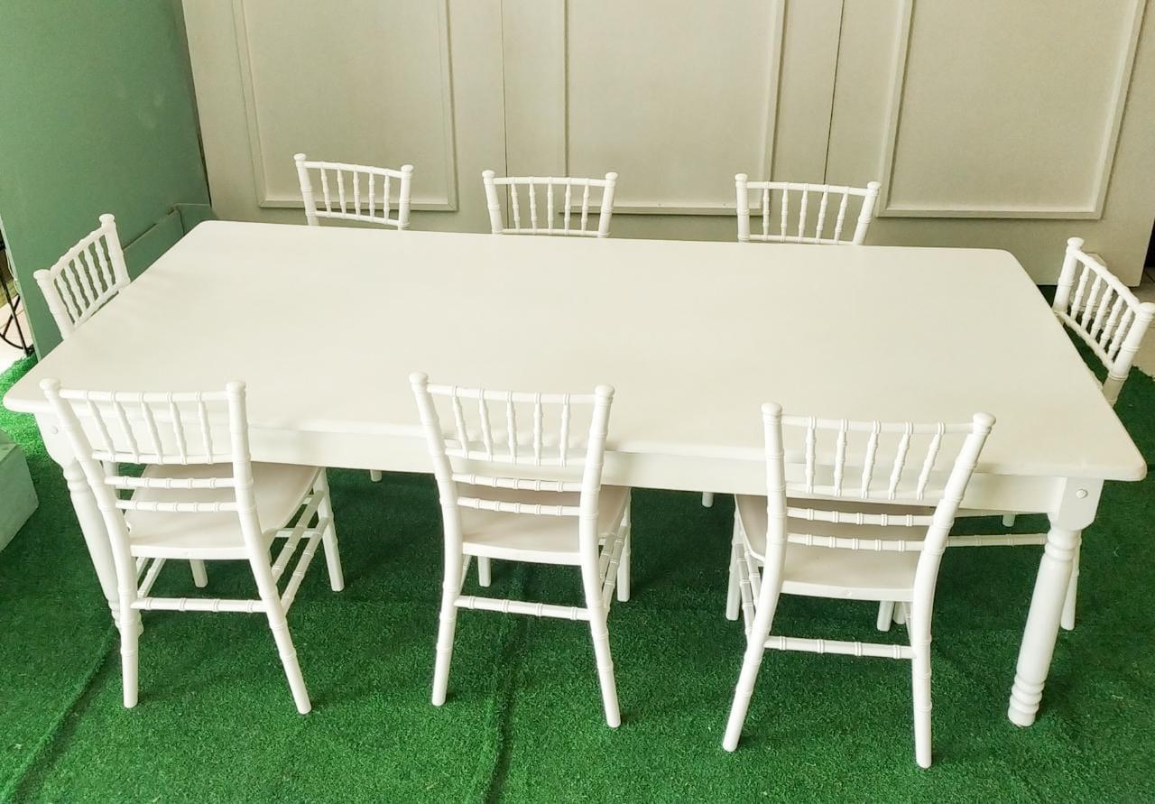 Mesa Infantil c/ 8 cadeiras